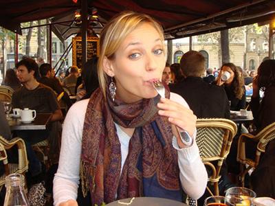 PFMP student eating a a Parisian restaurant